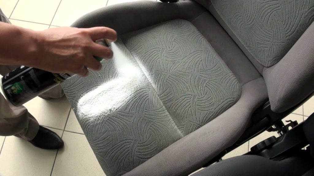 maxresdefault 32 1024x576 - Чем чистить сидения в автомобиле