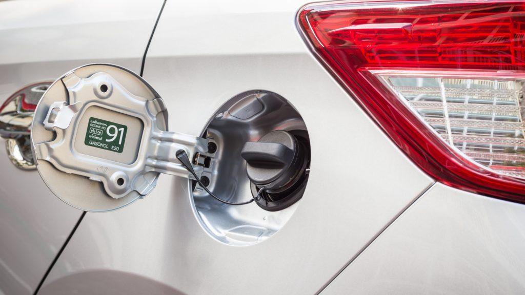 Сколько бензина остается в баке