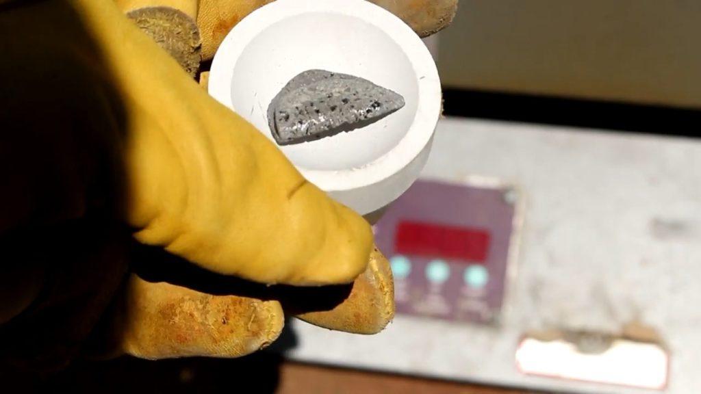 Что за металл в катализаторе