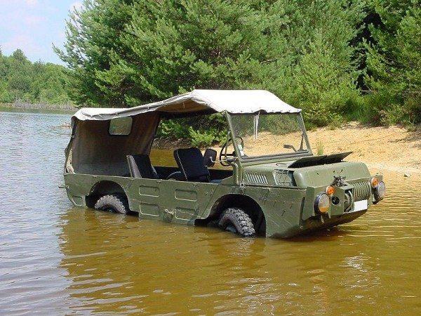 Фото амфибии ЛуАЗ 967, послужившей концепцией создания гражданского авто