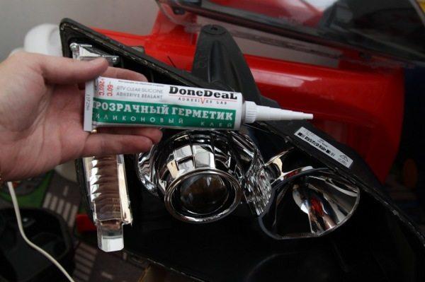 Используйте только специальные автомобильные герметики
