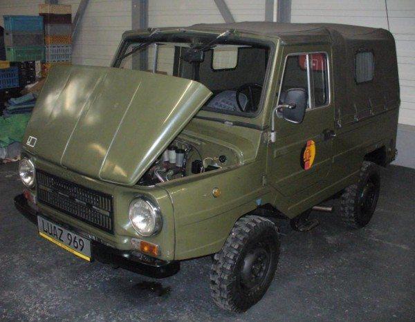 В боевых действиях роль ЛуАЗ – доставка боеприпасов и транспортировка раненых