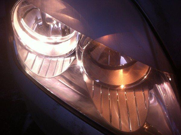 Замена лампы ближнего света Опель Астра H позволит избежать неприятностей на дороге