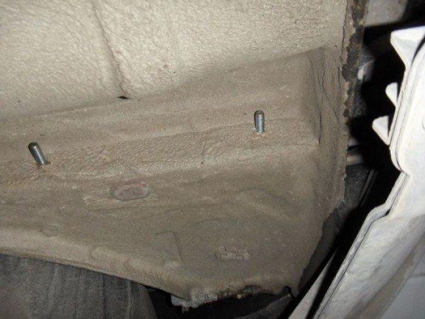 Крепежные болты под боковые пластины