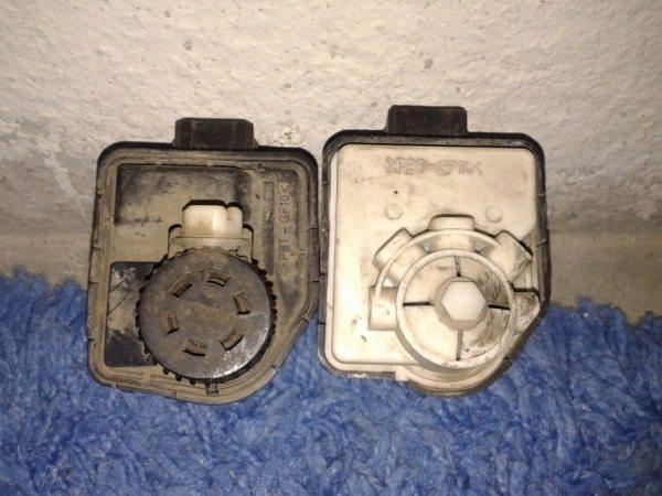 На фото- образцы корректоров, устанавливаемых на фары