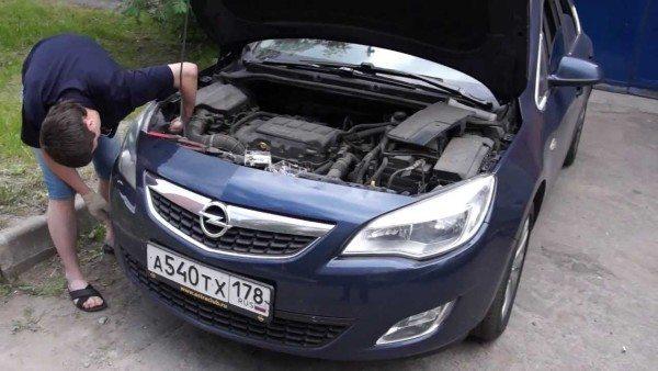 Замена лампы ближнего света Опель Астра: особенности оптических приборов Opel Astra J, фото и видео