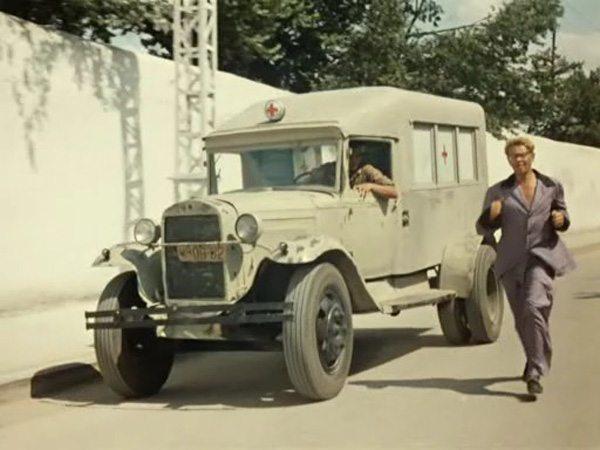 На таком автомобиле в годы войны с поля боя за ходку вывозили по 6-7 тяжелораненных