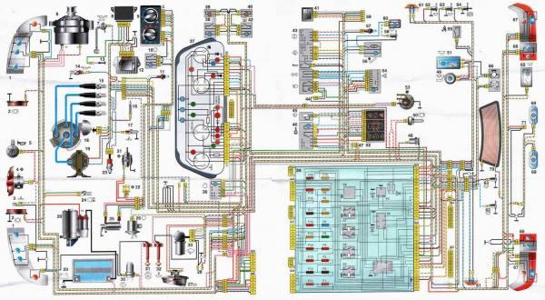 Предлагавшаяся к автомобилю инструкция содержала и цветную схему электропроводки